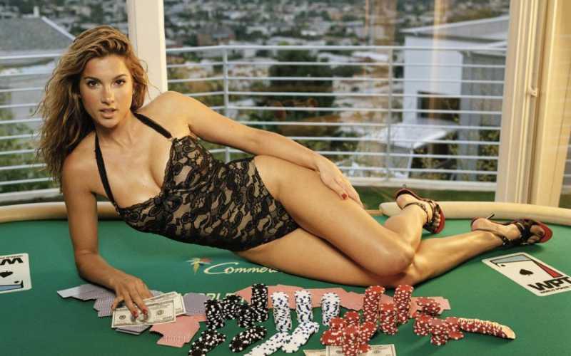 201504_Poker_02.jpg