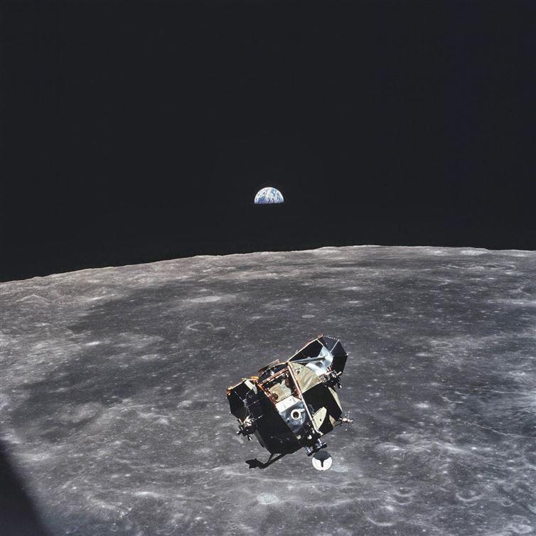 201508_moon_apollo11.jpg