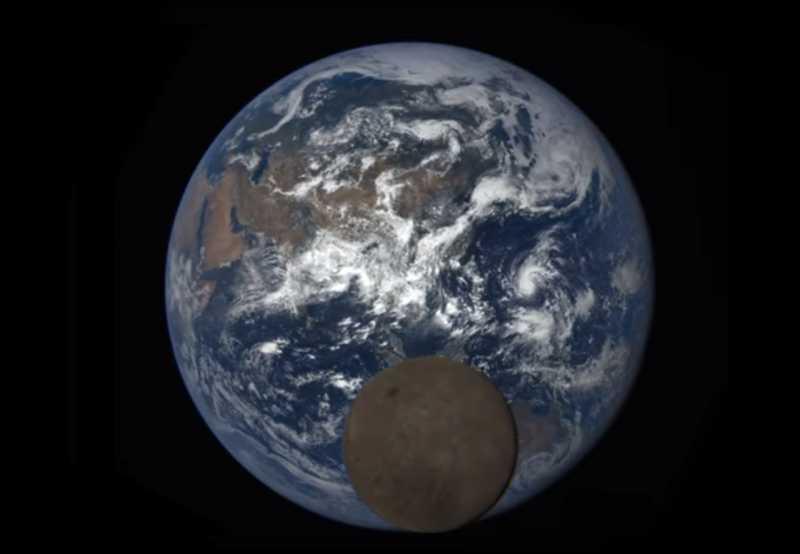 201607_earth_moon.jpg