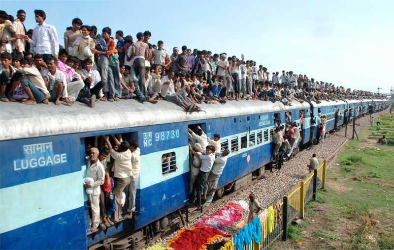 201507_india_train.jpg