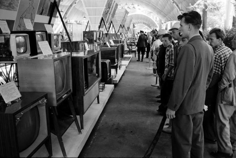 201710_tele-usa_exhibition.jpg