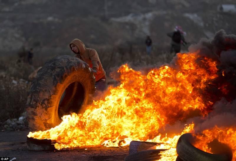 201712_Palestinian_protesters_0.jpg