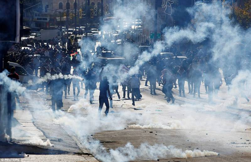 201712_Palestinian_protesters_1.jpg