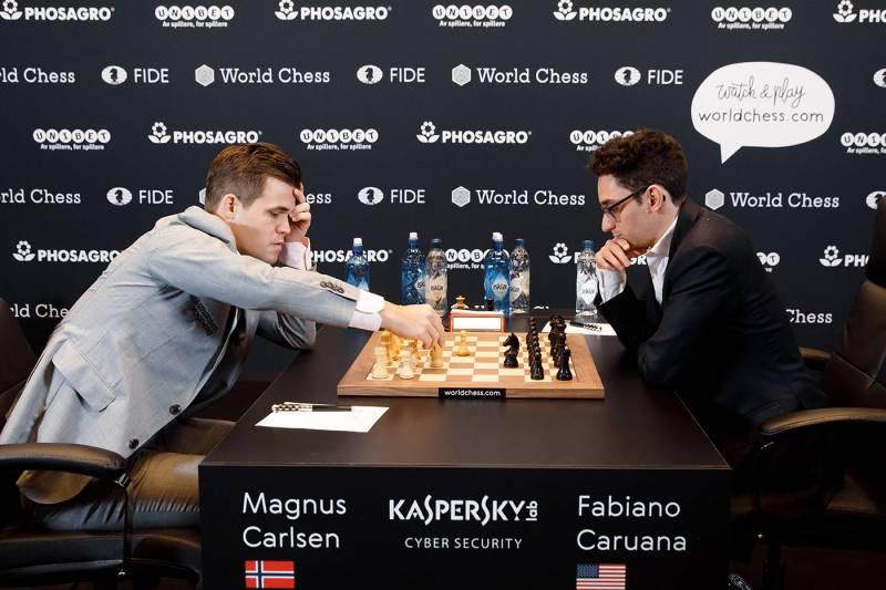 201811_carlsen_caruana_chess_2_round.JPG