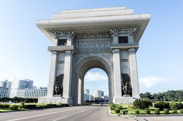 201904_Arch-of-Triumph-Pyongyang-2.jpg