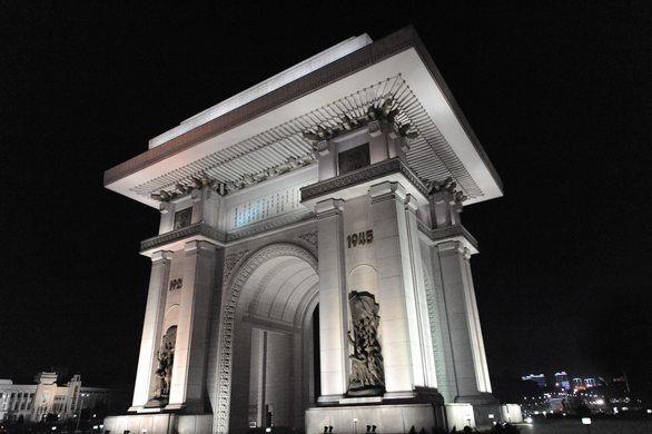201904_Arch-of-Triumph-Pyongyang-6.jpg