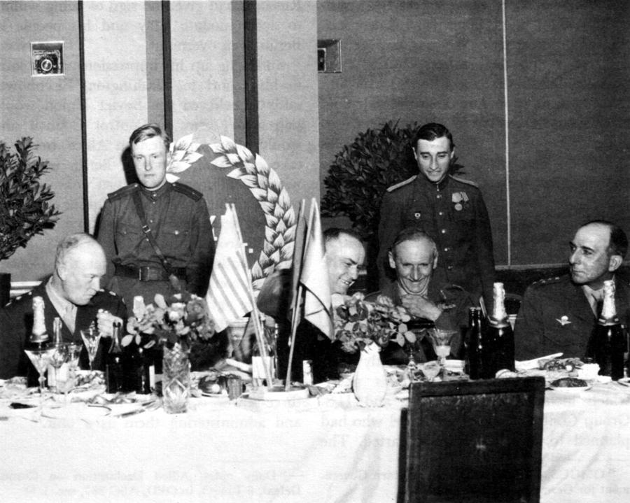 2021_Zhukov_Eisenhower_Montgomery_de_Lattre.jpg