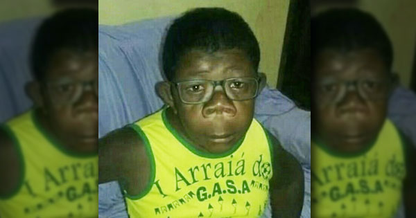 2021_angola_chimp-boy.jpg