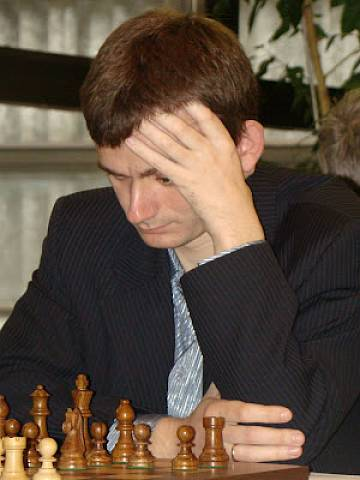 Azarov leads EICC after 7 rounds